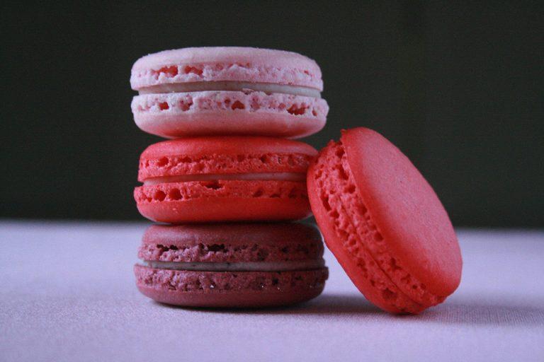 pink-macaroons R